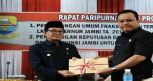 DPRD Sampaikan Pemandangan Umum Terhadap LKPJ Gubernur Jambi 2016