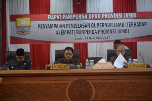 DPRD Gelar Paripurna Penyampaian Empat Ranperda Pemprov Jambi