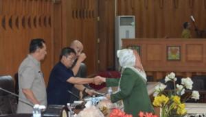 DPRD Dengarkan Jawaban Eksekutif Terkait dua Ranperda