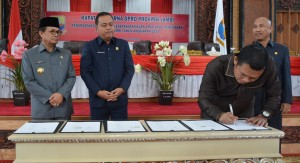 DPRD Gelar Paripurna Penandatanganan Nota Kesepakatan KUPA-PPAS Perubahan 2019
