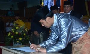 Ketua DPRD Tandatangani Komitmen Mempercepat Penyelesaian Pembangunan Kawasan Ujung Jabung