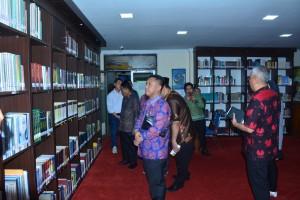 Cek Kondisi Riil, Komisi I Kunjungi Perpustakaan dan Arsip Daerah