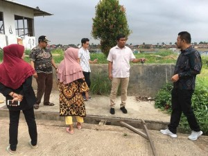 Waka DPRD dan Anggota sidak ke Pasar Angsoduo